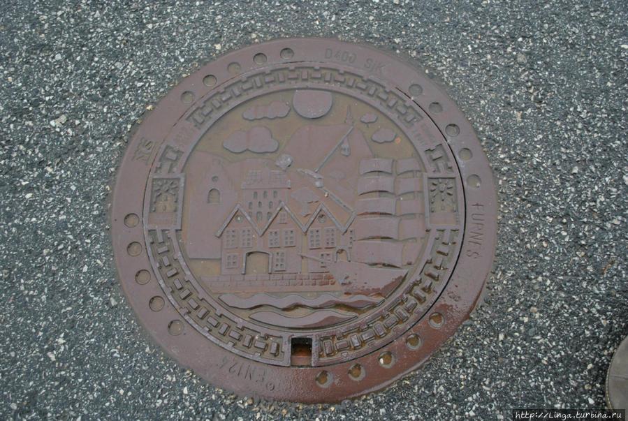 Все главные символы Бергена изображены на люках