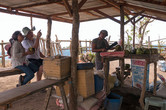 Нет ничего лучше чем расслабиться после длительного подъема соком охлажденного кокоса