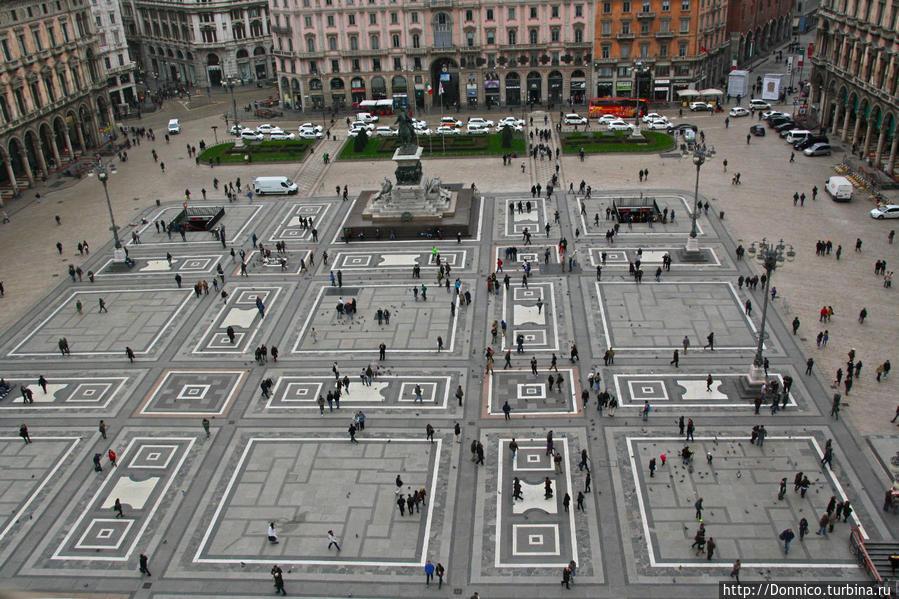 Уно, Дуэ, Омм... Милан, Италия