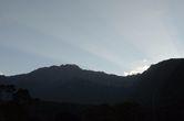 Центральный конус в кальдере — Эш — в тени закатного солнца.