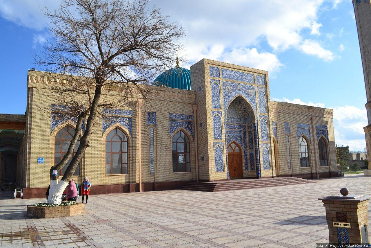 Мавзолей Амбар Биби Зангиата, Узбекистан