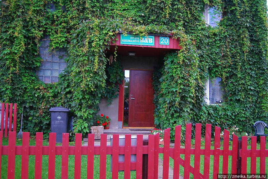 Вход в хостел. Жильцам выдают ключи от комнаты и входной двери.