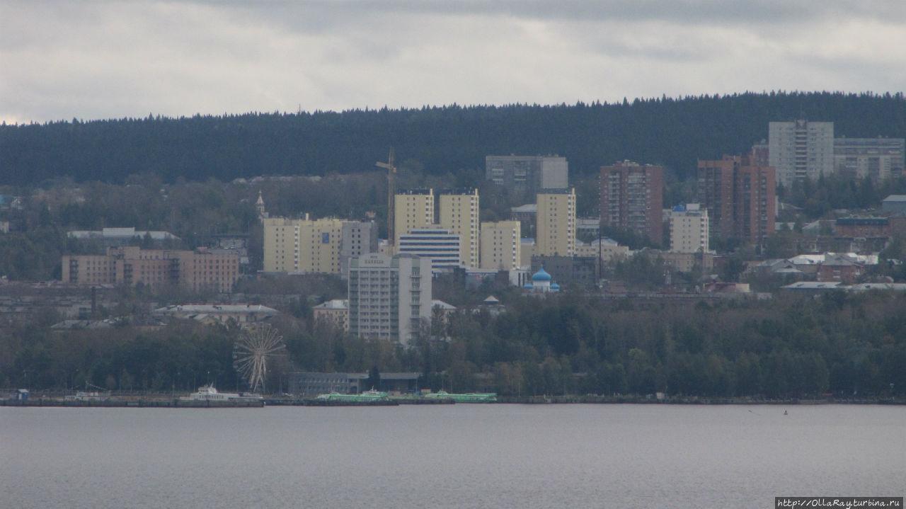 Вид на Петрозаводск из сада