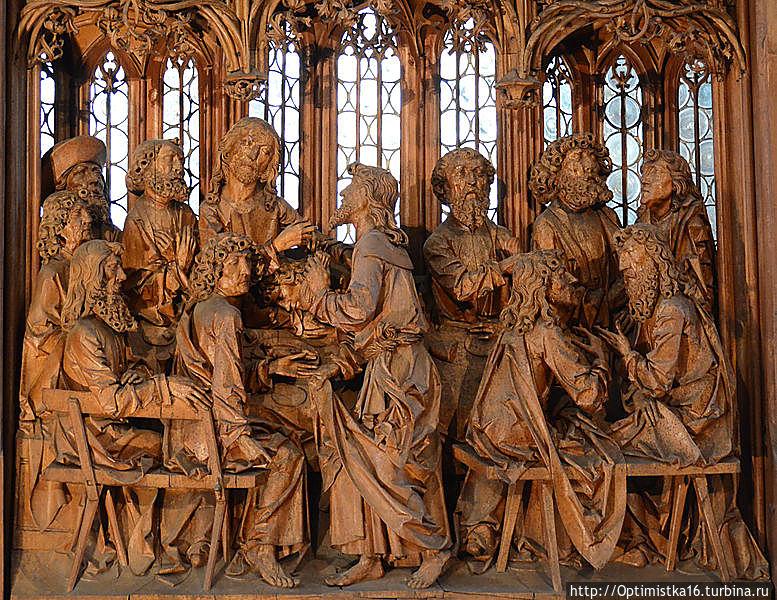 Алтарь святой Крови (нем. Heiligblut-Retabel) липа (1501—1505 гг..) Фрагмент Интересно, что в центре композиции фигура не Иисуса, а Иуды.