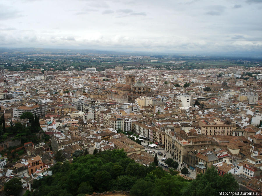 Вид на Гранаду со стен Алькасабы Гранада, Испания