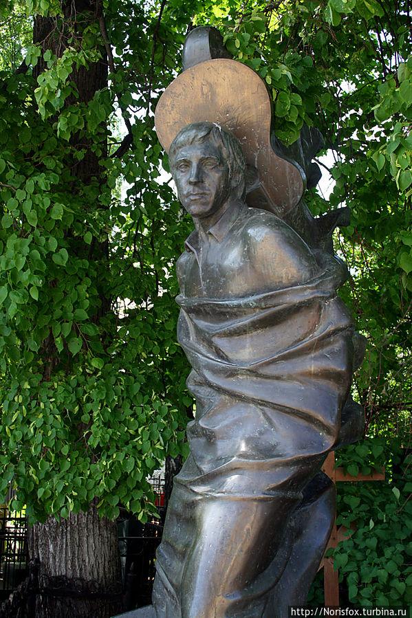 В гости к хорошим знакомым на Ваганьковское кладбище Москва, Россия
