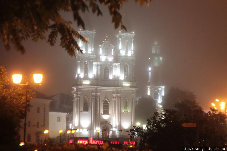Но не забудьте заглянуть на ночную Славянку...