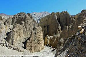 Дальше начинаются симпатичные каньоны и ущелья