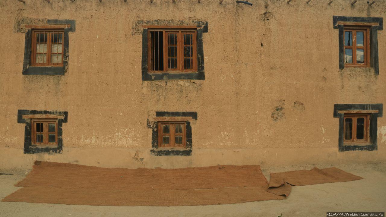 Дома Табо. Манали, Индия
