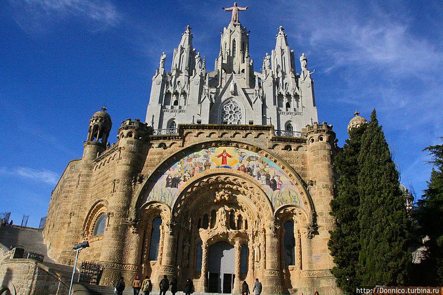 BARCELONA! VLOG Храм Святого Сердца и Я ВСТРЕТИЛА КАБАНОВ