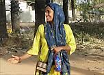 Фатима не лишает себя и ярких цветов, но головной убор обязателен