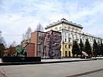 Площадь Победы с артиллерийским орудием, установленным в память о бойцах сформированного в городе 943 артиллерийского полка.