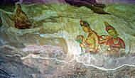 часть фресок сохранилась лишь там, куда монахи не добрались — в пещере на высоком уровне. Туда сейчас можно подняться по металлической леснице