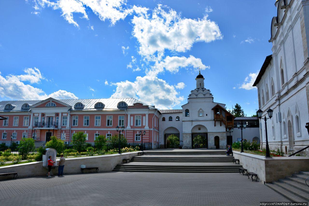 этой картинке женский монастырь в серпухове фото описание основном, человек рождается