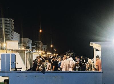 Паром, курсирующий между Порт-Саидом и Порт-Фуадом