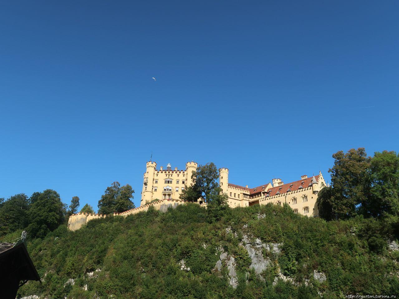 Замок Хоэншвангау располо