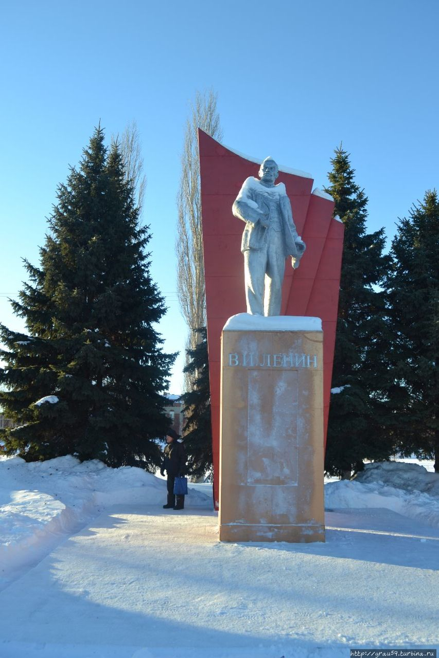 Памятник В.И.Ленину Пугачёв, Россия
