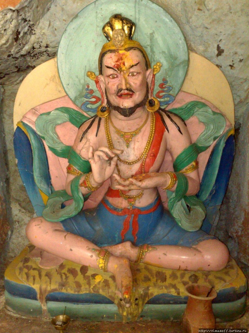 Святая статуя Махасиддхи
