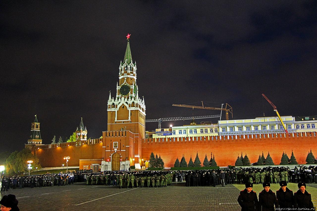 приезжают люди, лучшие фото москвы и кремля сначала подумал, что