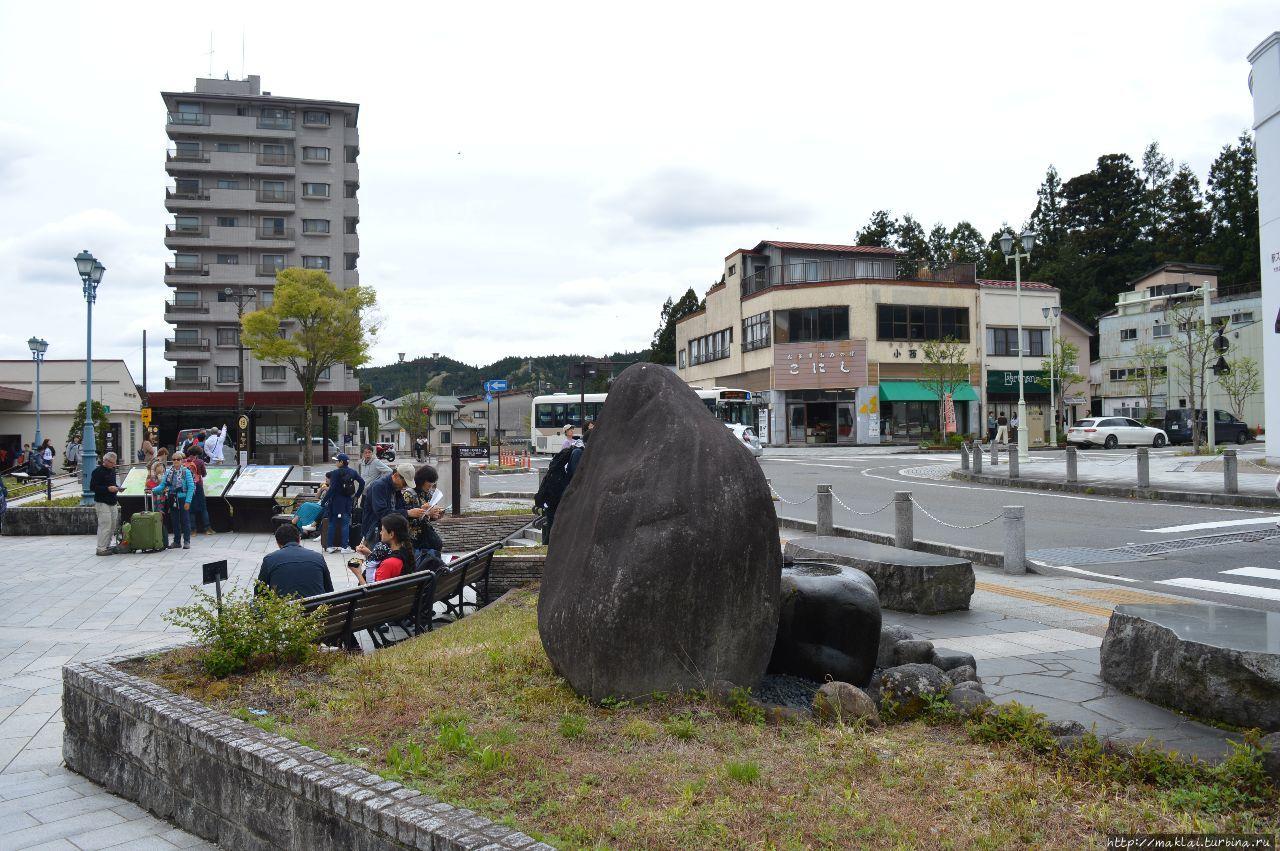 Площадь возле вокзала