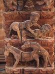 Эротические сценки на резных подпорках храма Джаганнатх. Из интернета