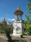 Барабанная башня в комплексе Серебряная Пагода