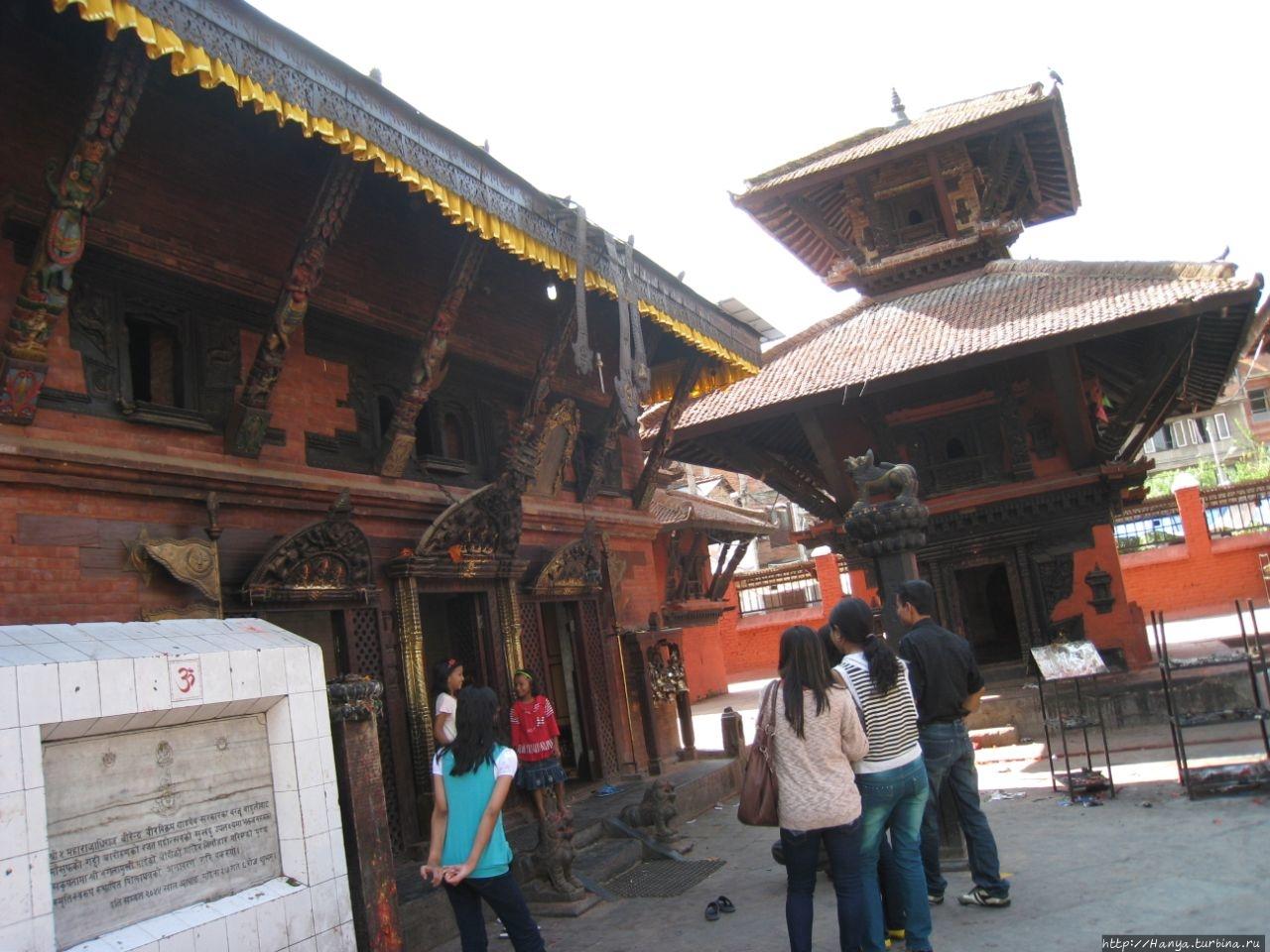 Храм Baglamukhi (Parvati)