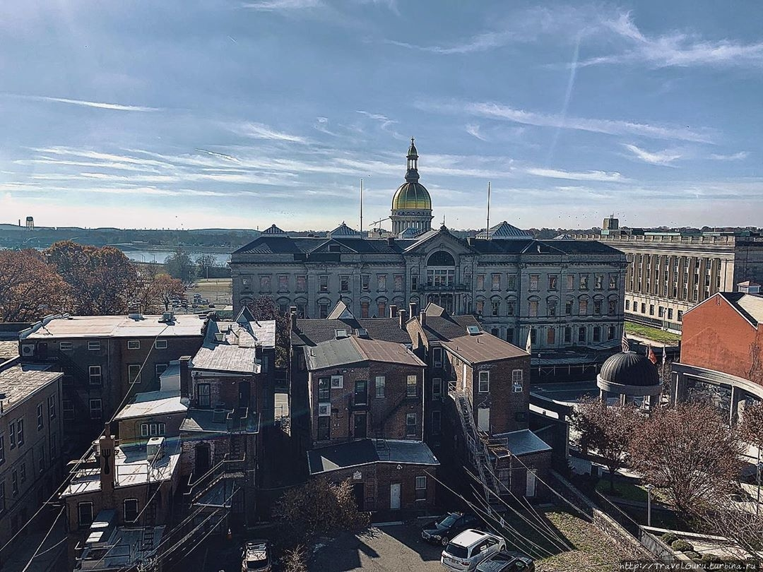 Капитолий (State House) ш