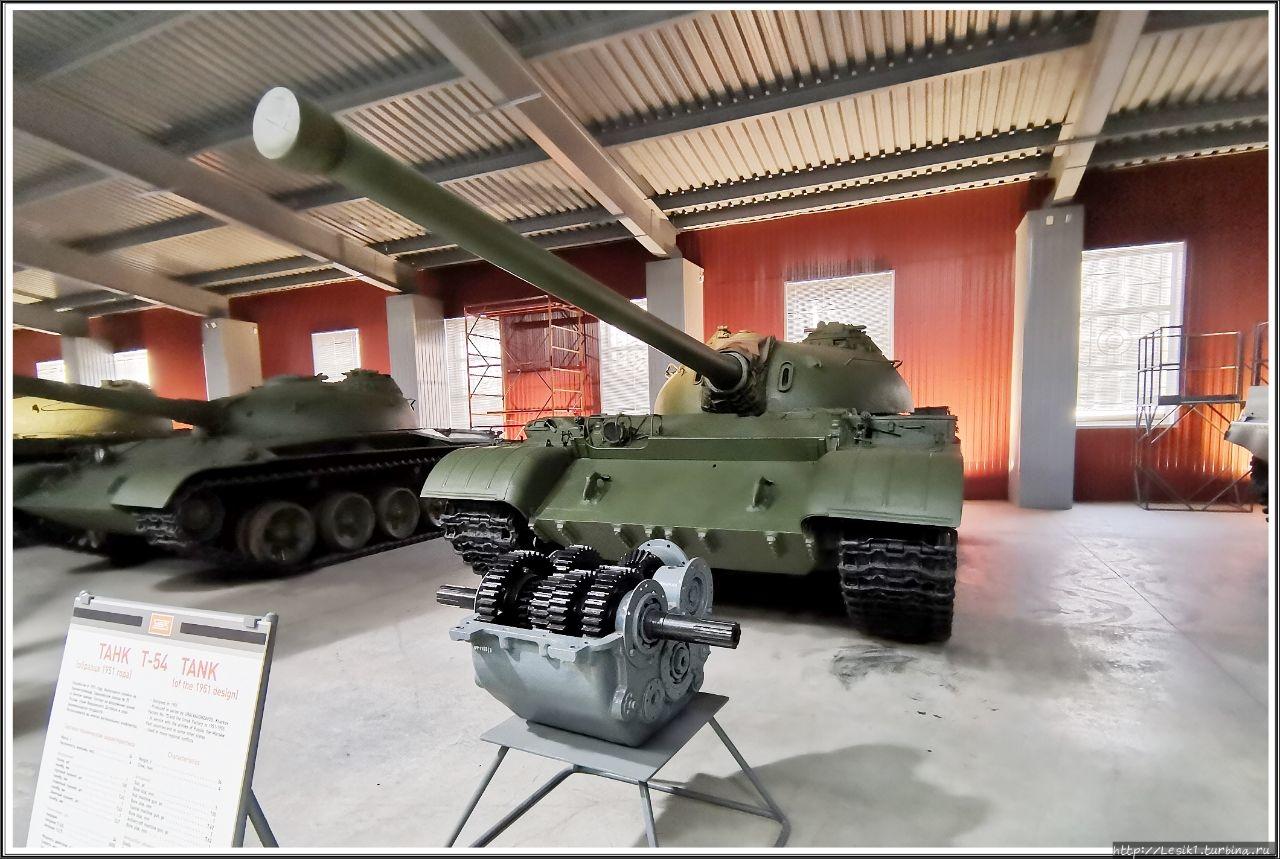 Танк Т-54. Разработан в 1
