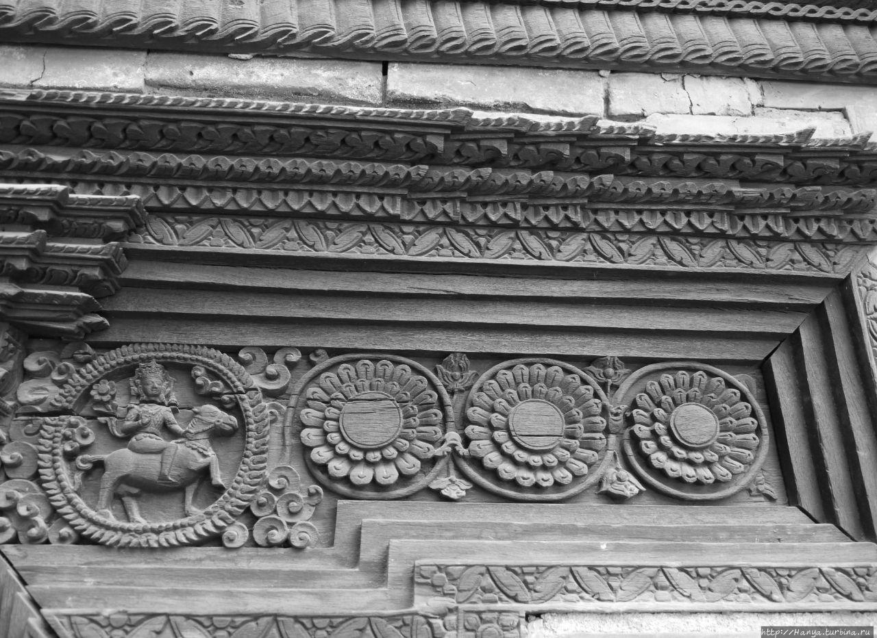 Резные детали Музея Патан