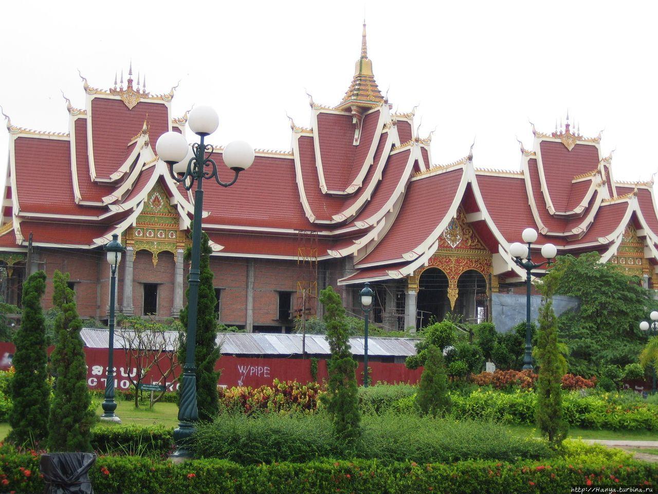 Буддийский конференц-зал