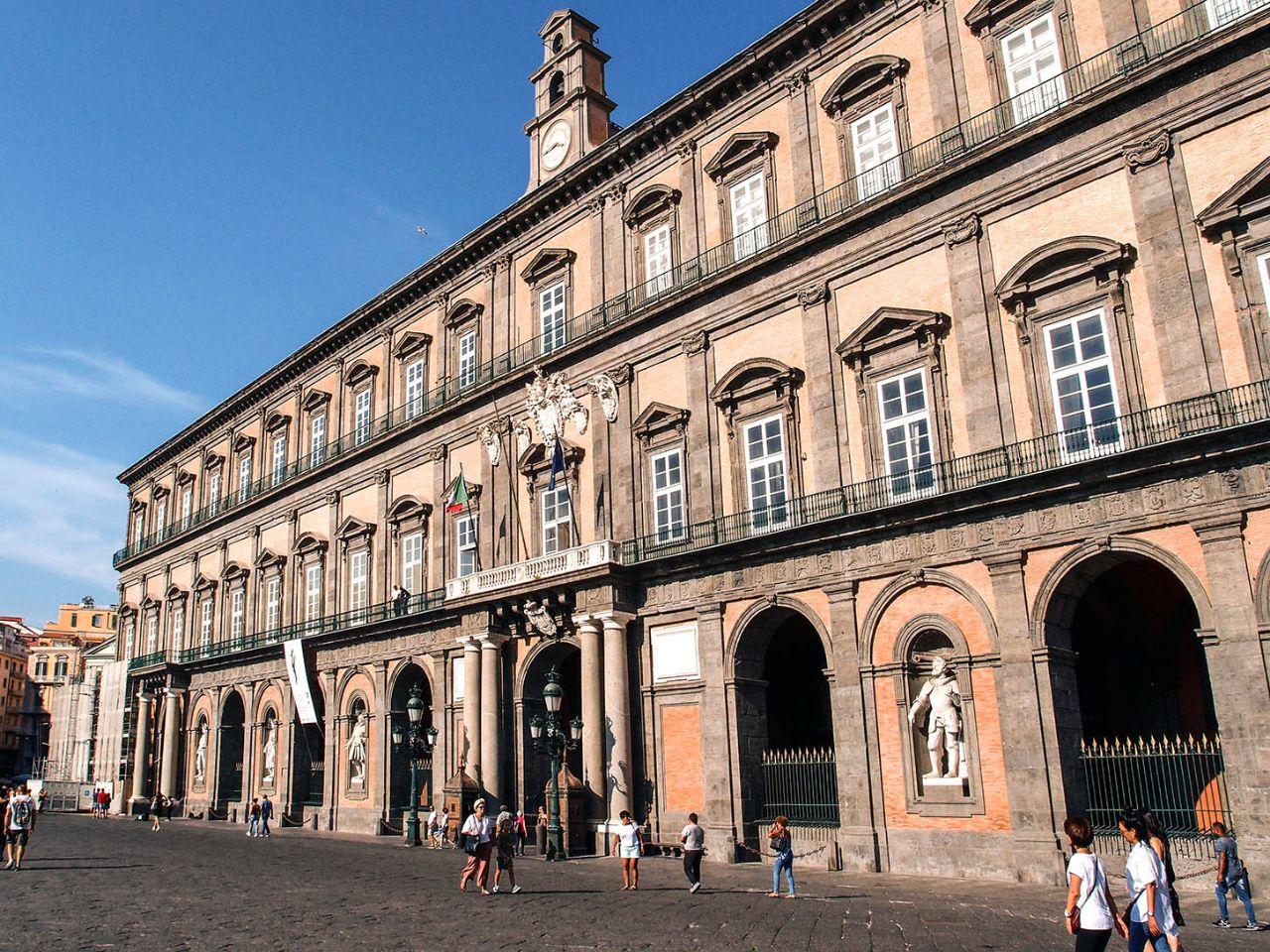 Исторический Центр города Неаполь Неаполь, Италия