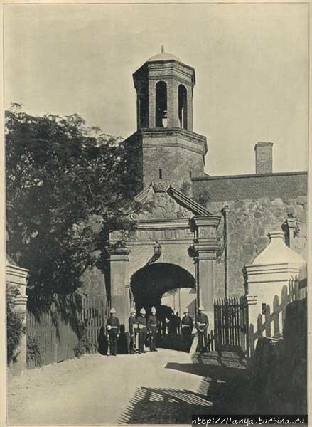 Фото 1911. Входные ворота