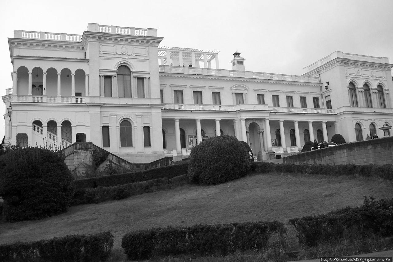 ливадийский дворец фото композиций нее парноперистые
