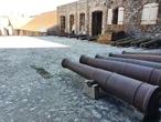 Количество пушек внутри крепости исчисляется почти четырьмя сотнями