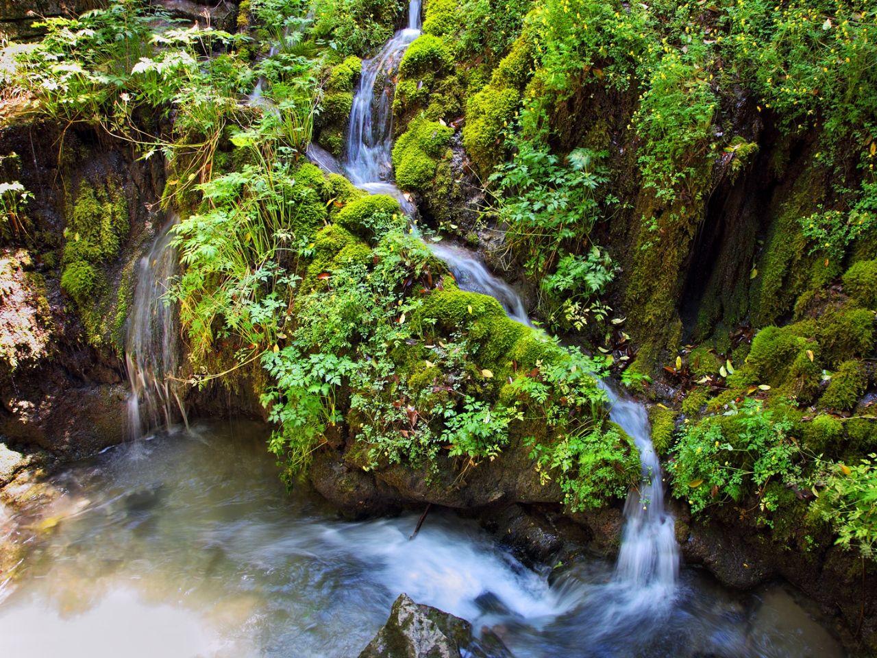 Гроты, тоннели и водопады озера Гарда Озеро Гарда, Италия