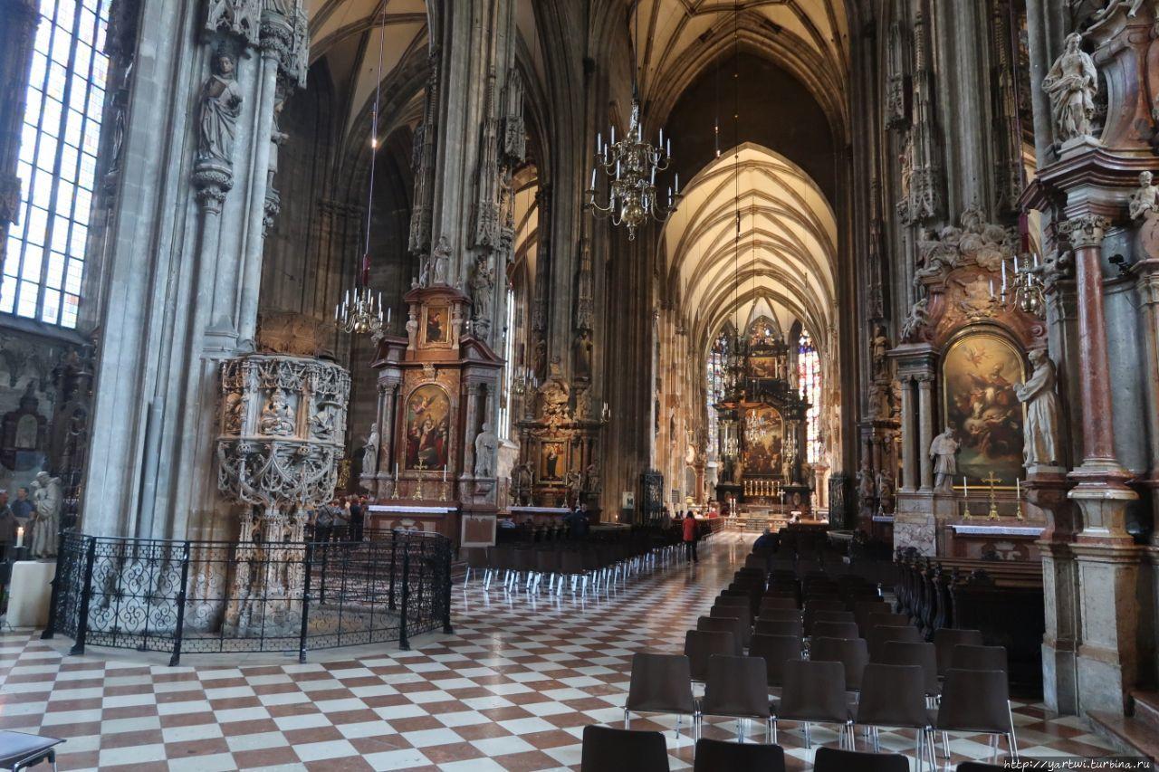 Внутри Собора Святого Сте