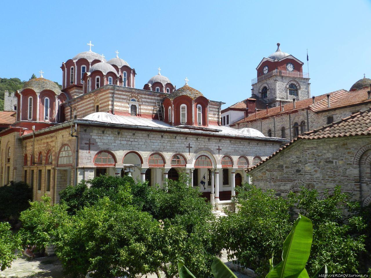 картинки греческий монастырь семье было трое