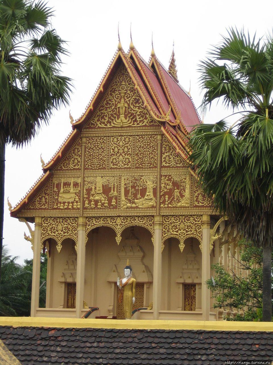 Wat That Luang Neua в ком