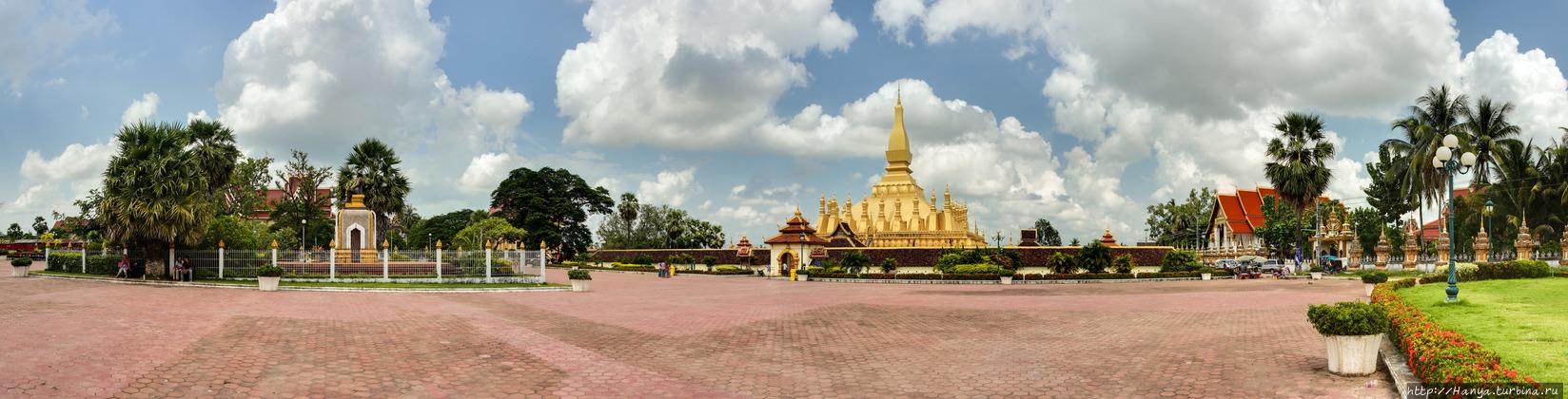 Ват Тхат Луанг. Фото из и