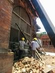 Белый Бхайрав. Восстановление после землетрясения. Из интернета