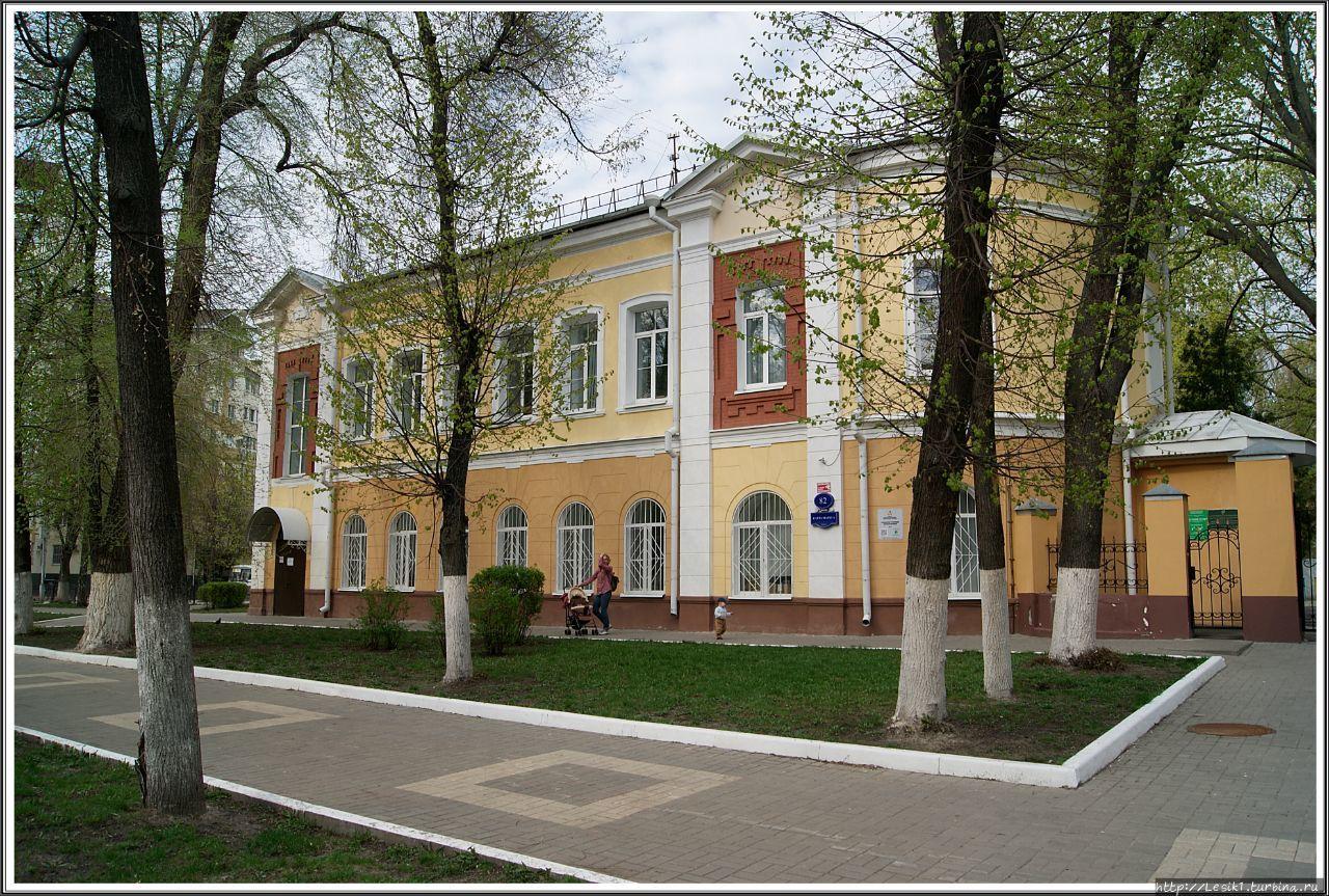 В 1910–1911 гг. одноэтажн