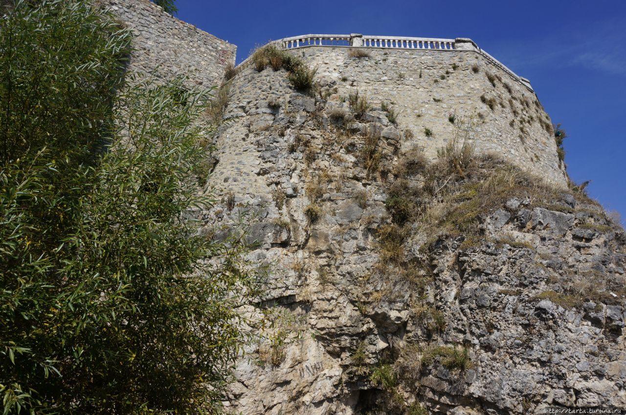 Вид с набережной на крепо