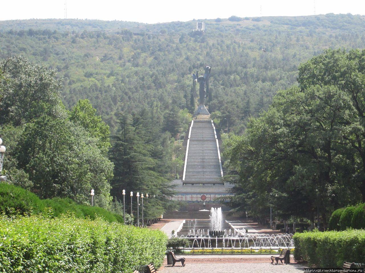 Фотосессия в коломенском парке летом