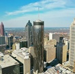 Самые высокие здания слева направо: Бэнк оф Америка Плаза (Bank of America Plaza) — 312 метров, самое высокое здание;  СанТраст Плаза (SunTrust Plaza) — 265 метров, 2-е по высоте здание; Westin Peachtree Plaza Hotel — 220 метров, 5-е по высоте здание; фрагмент One Atlantic Center — 250 метров, 3-е по высоте здание;