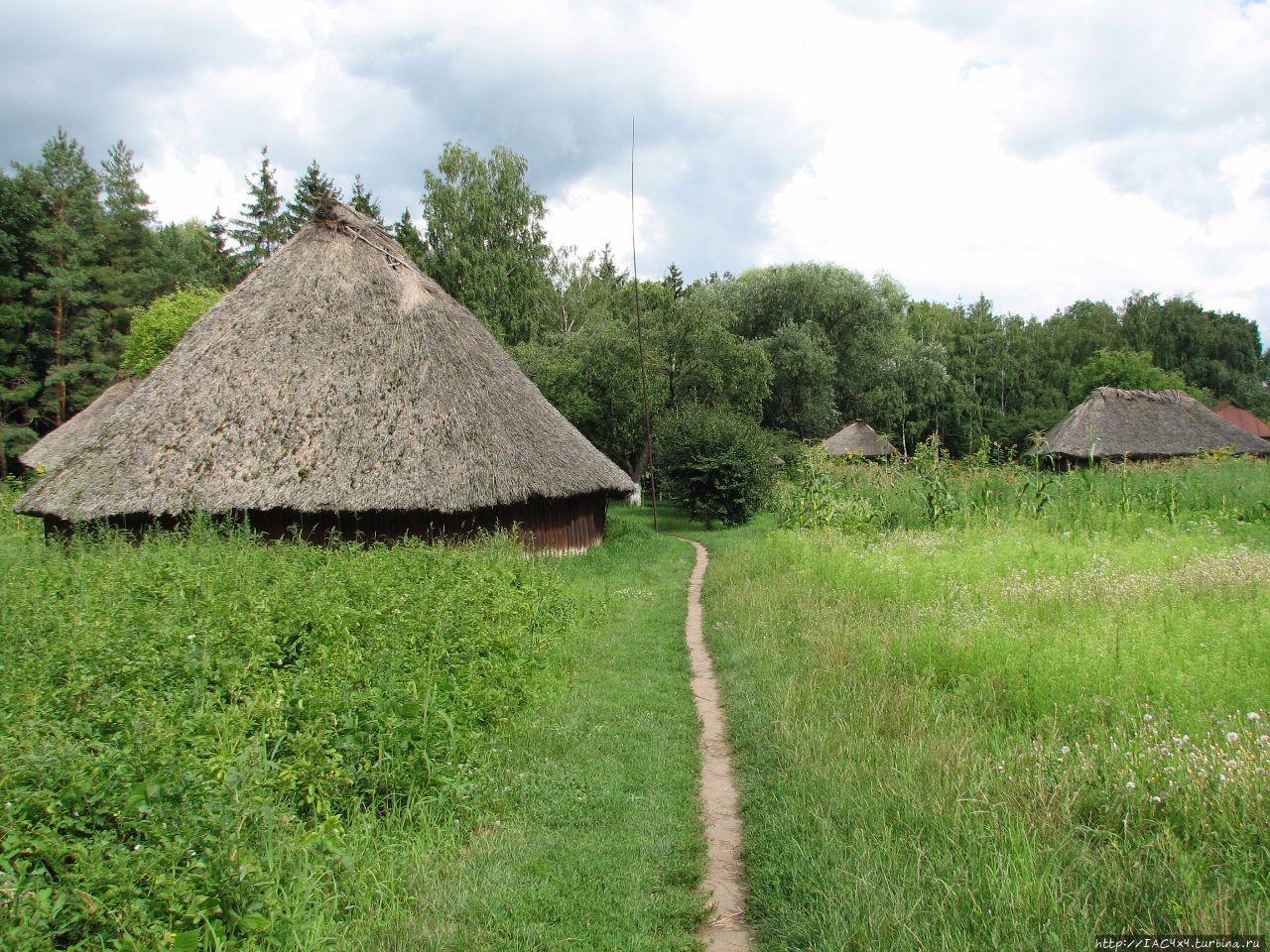 воин почитает украинские села фото постоянно живут один-два