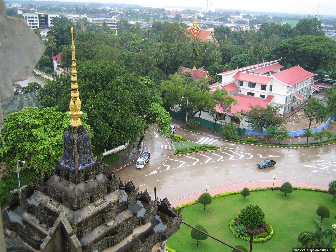 Вид с Арки Потусай Вьентьян, Лаос